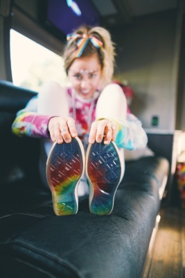 MILEY CYRUS I CONVERSE: YES TO ALL